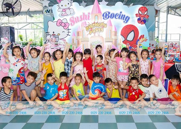 Sinh nhật tại trường chủ đề Kitty và Spiderman 2