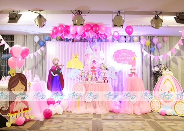 Trang trí sinh nhật chủ đề Lâu đài Công chúa