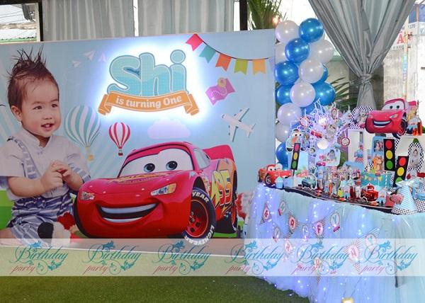 Trang trí sinh nhật đề xe cho bé trai