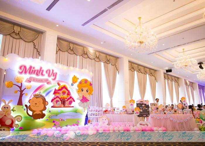 Trang trí tiệc thôi nôi- Chủ đề Princess1